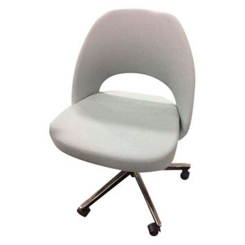 Pre-owned Saarinen Executive Side Chair with Casters