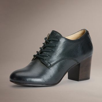 Stella Oxford by TheFryeCompany,