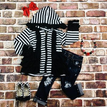 RTS Black And White Striped Ruffle Hoodie D5