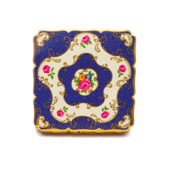 Vintage Stratton Compact, Blue and White Enamel with Pink English Roses, Gold Filigree Design, circa 1950s - 1960s