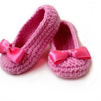 Crochet Pattern Baby booties,Baby Girl Slippers, PDF Crochet Pattern N.101