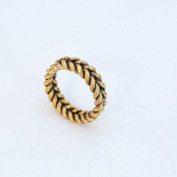 brass Ring , Braid Ring , Wire Ring , Hammered Ring , Mens Ring , Twist Ring , Handmade Ring , Twisted Celtic Band, Heart Shape Ring