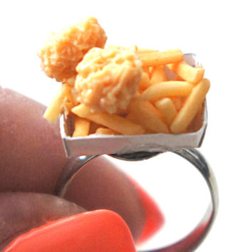 chicken nuggets and fries ring
