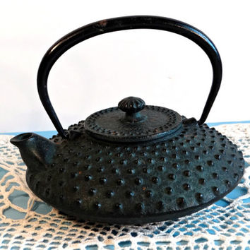 Vintage Japanese Black Cast Iron Tea Kettle, Japanese Black Cast Iron Teapot, Kitchenware Serving, Rustic Primitive Home Kitchen Decor