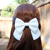 "4.5"" white hair bow, big hair bow, big white bow, big hairbow, solid color hair bow, kids white hairbow clips, white bow, girls bow barrette"
