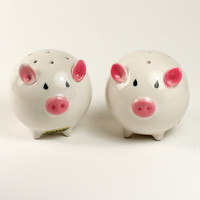 Salt and Pepper Shaker Pigs by TwiceBakedVintage on Etsy
