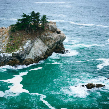 View of waves and rocks in the Pacific Ocean, at Julia Pfeiffer Burns State Park, Big Sur, California.