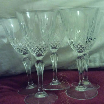 An Elegant Set of 5 Cut Crystal Wine Glasses/Goblets - Cristal D'Arques - Masquerade Pattern