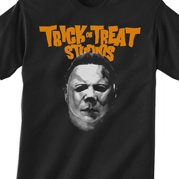 Trick or Treat Studios Halloween II Michael Myers Mask T-Shirt | TRICK or TREAT STUDIOS - Masks to Die For!