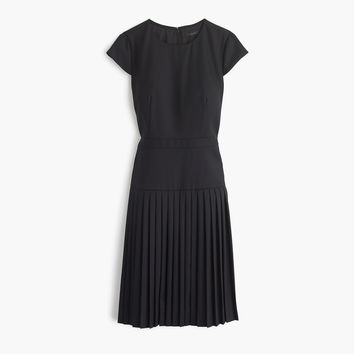 Pre-order 9am dress in Super 120s wool