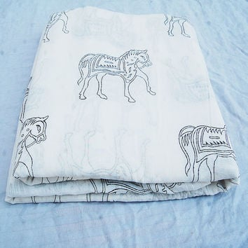 Indian Hand Printed Cotton Fabric Horse Wood Stamp Art By The Yards Voile White Bleached Pure Cotton Fabric For Making Shirt/Dress Kurtis