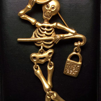 Skeleton Halloween articulated jointed Danecraft brooch pin