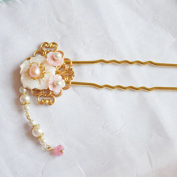 Flyin Chinese flower hair pin in sweet fairy style,fresh shell, freshwater pearl, shell pearl,gold plated copper, Asian hair stick jewelry