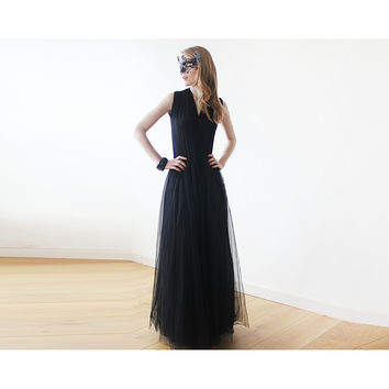 Black sleeveless tulle maxi dress  1076
