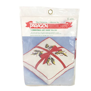Christmas Pillow Kit Vintage Holiday Gift Box Cushion Xmas Present Crewel Embroidery Retro Paragon Crafts