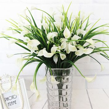 25 Heads Artificial Calla with Silk Leaf Bouquet