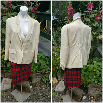 121--Vintage Pendelton suit and skirt-Size small-Plaid skirt-100% wool-Buttons- Dryclean-Timeless fashion- 1980s-Made in Oregon USA-Lining