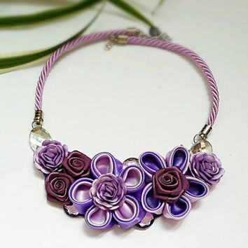 Purple bib necklace, Violet flower necklace, Fabric jewelry, Kanzashi flower necklace, Unique gift for her, Purple bridesmaid necklace