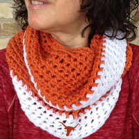 Crochet Texas Longhorns Scarf in Burnt Orange and White, Longhorns Fan Scarf, College Football, Team Colors, Infinity Scarf, Longhorns Logo
