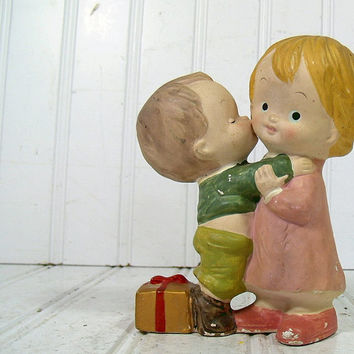 Chippy Paint Ceramic Boy Kissing Girl Figurine - Vintage Homco 5201 Statue Duo - Home Interiors Decor Collectibles