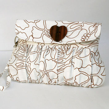 Pleated White Clutch Purse Cotton Print with Heart Shaped by Oyeta