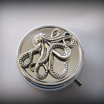 Octopus Pill Box ,sea creature Pill Case, Gothic pill box, silver pill case ,victorian style pill box, 3D pill box,steampunk bill box