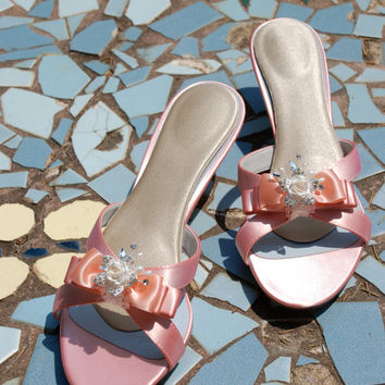 SALE Bridal 2 kitten heels size 95 ready to by TheCrystalSlipper