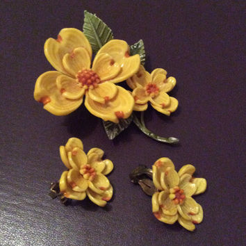 Celluloid Yellow Flower Brooch, Vintage Jewelry Set