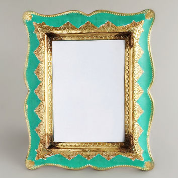 Grand Emerald Gilded Frame