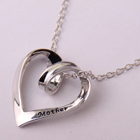 Fashion Mother's day Hollow Heart holiday gift Women Necklace for lady