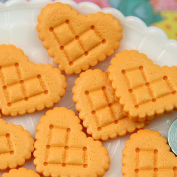 26mm Heart Cookie Biscuit Resin or Acrylic Flatback Cabochons - 5 pc set