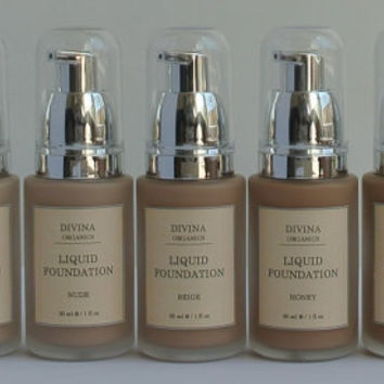 Natural Liquid Foundation, in 7 shades, with Vitamin E and Jojoba oil, Acne safe, Vegan, Cruelty-free
