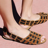 FP Collection Womens Swift Flat