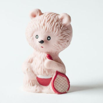Bear tennis player – 70s vintage rubber toy - surprised bear with tennis racket – children's toy blush shade
