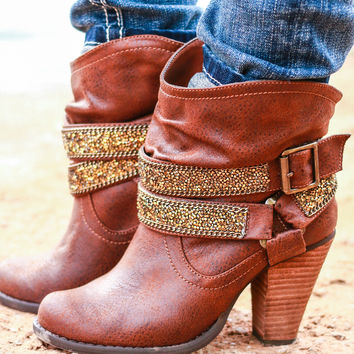 SOLE MATE BOOTIES IN TAN