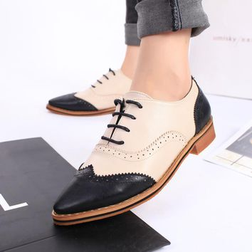 Fashion Online British Style Brogue Shoes Women's Shoes Flat Thick Heel Vintage Pointed Toe Lacing Women's Oxfords Pig Leather Lining