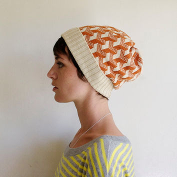 Optical Illusion Y, Geometric Pattern Knit Winter Beanie, Knitted Hat - Cream & Pumpkin Orange