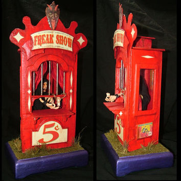 FREAK SHOW / CIRCUS Ticket Booth with working light