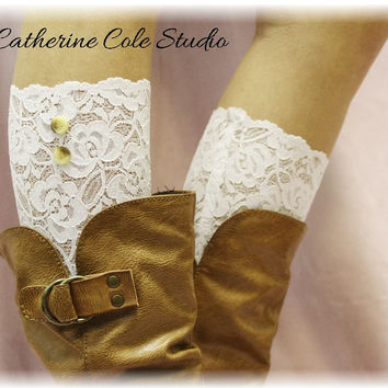 LOVELY LACE stretch boot cuffs - white