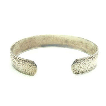 Art Deco Sterling Silver Hammered Bracelet Narrow Stacking Cuff Arts & Crafts Artisan Style Small Stippled Oval Vintage 1920s Jewelry
