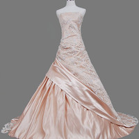 A-line/Princess Strapless Chapel Train Satin Lace  Wedding Dresses With  Ruffle