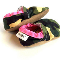 Camouflage Baby Shoes army shoes Baby Shoes Baby Booties Photo prop Baby Girl Shoes Baby Girl Booties Toddler Girl Army Print
