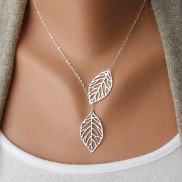 Gift Stylish Jewelry New Arrival Shiny Simple Design Metal Leaf Necklace [8026347015]