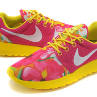 Nike Roshe Run (Floral Marble Print Pink/Yellow)