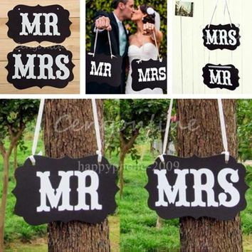 DCCKIX3 Couple Chair Mr & Mrs Signs Wedding Party Photo Props Banner Decoration 27x17cm = 1929771972