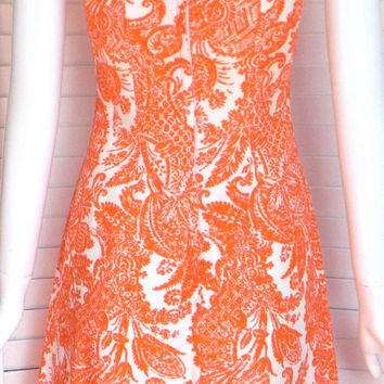 Vintage 1960s Dress //60s dress //Sue Brett //Orange/white //fleur de lis pattern. //Shift dress //Day dress //mod //go go