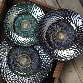 IRIDESCENT MEDIUM DECORATIVE PLATE