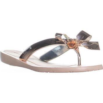 GUESS Tutu9 Bow Thong Sandals, Gold Texture, 7 US / 37 EU