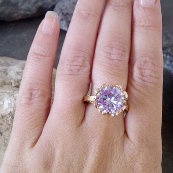 SALE! SALE! Asymmetrical ring,Big Lavender Amethyst ring, June birthstone,gemstone ring, gold ring, vitage ring,holey ring