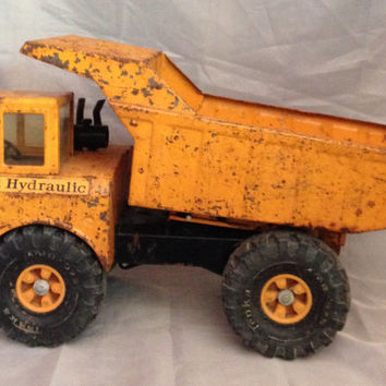 Mighty Tonka Hydraulic Toy No. 3902,  Vintage Orange Dump Truck, 1973 Pressed Steel